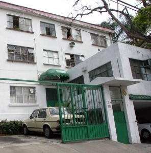 Our apartment building in Cuernavaca, where I lived at 14